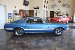 1969 Ford Mustang blue_16