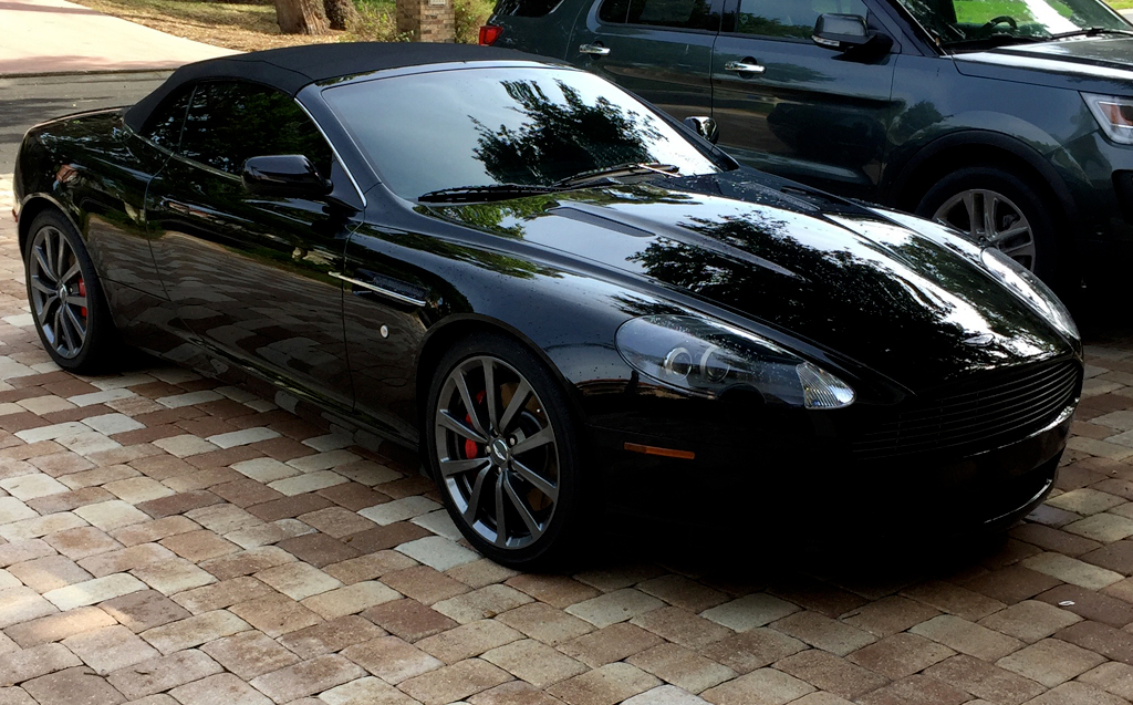 2006-Aston-Martin-DB9-black-1
