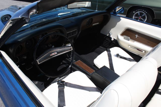 1970 Ford Mustang Convertible blue vintage-25